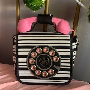 Betsey Johnson phone crossbody!